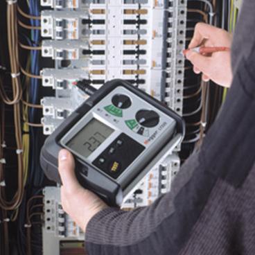 Testery impedance vypínací smyčky a proudových chráničů