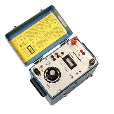 MOM200A - 200 A micro-ohmmeter